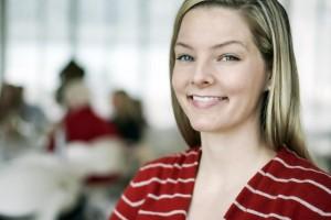 Nosečnice: več kot 5 nevarnosti za vaše zobe!